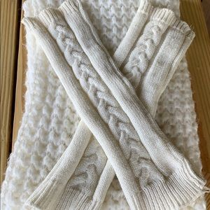 AEROPOSTALE Ivory Infinity Scarf and Leg Warmers